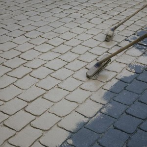 Resealing an existing driveway a good sealer can help rejuvenate a tired looking driveway or will keep it looking great for longer whether its grey coloured or patterned concrete solutioingenieria Images