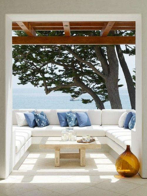 http://decoratingfiles.com/2014/04/outdoor-spaces-creating-privacy/